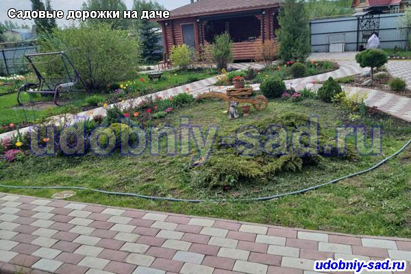 Пример укладки тротуарной плитки английский булыжник на даче для пешеходных садовых дорожек