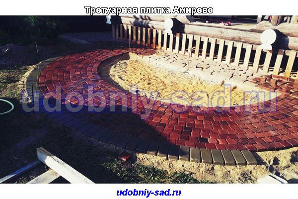 Примеры мощения на дачном участке камня в Раменском районе