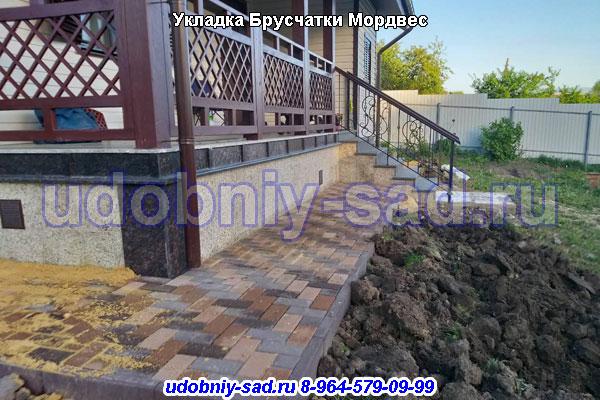 Производство и укладка брусчатки в посёлке Мордвес